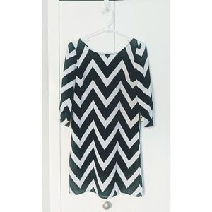 3 for $19 🔥Chevron cropped sleeve Dress